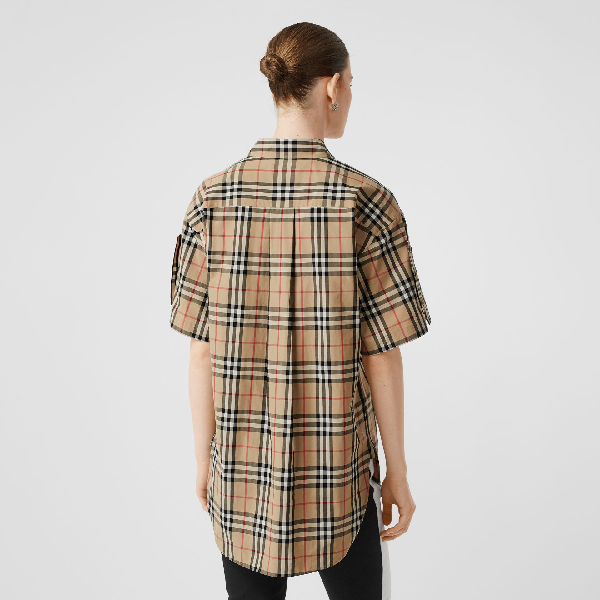 Short-sleeve Vintage Check Cotton Oversized Shirt in Archive Beige - Women | Burberry United Kingdom - gallery image 2