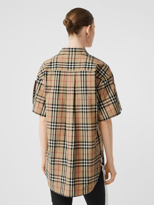Short-sleeve Vintage Check Cotton Oversized Shirt in Archive Beige - Women | Burberry United Kingdom - cell image 2