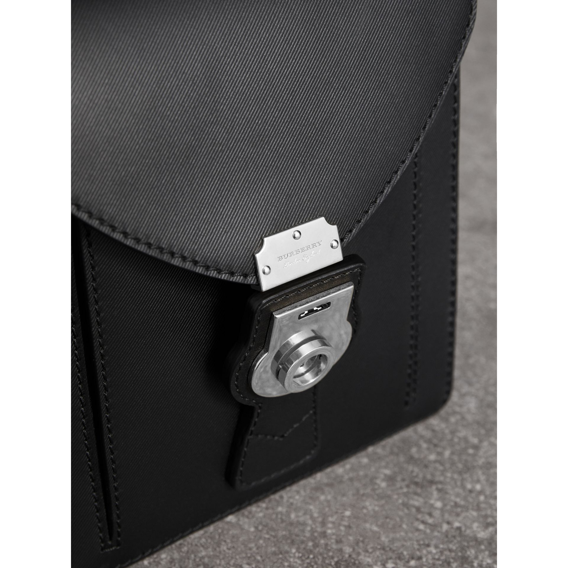 Petit sac cartable DK88 (Noir) - Homme | Burberry - photo de la galerie 1