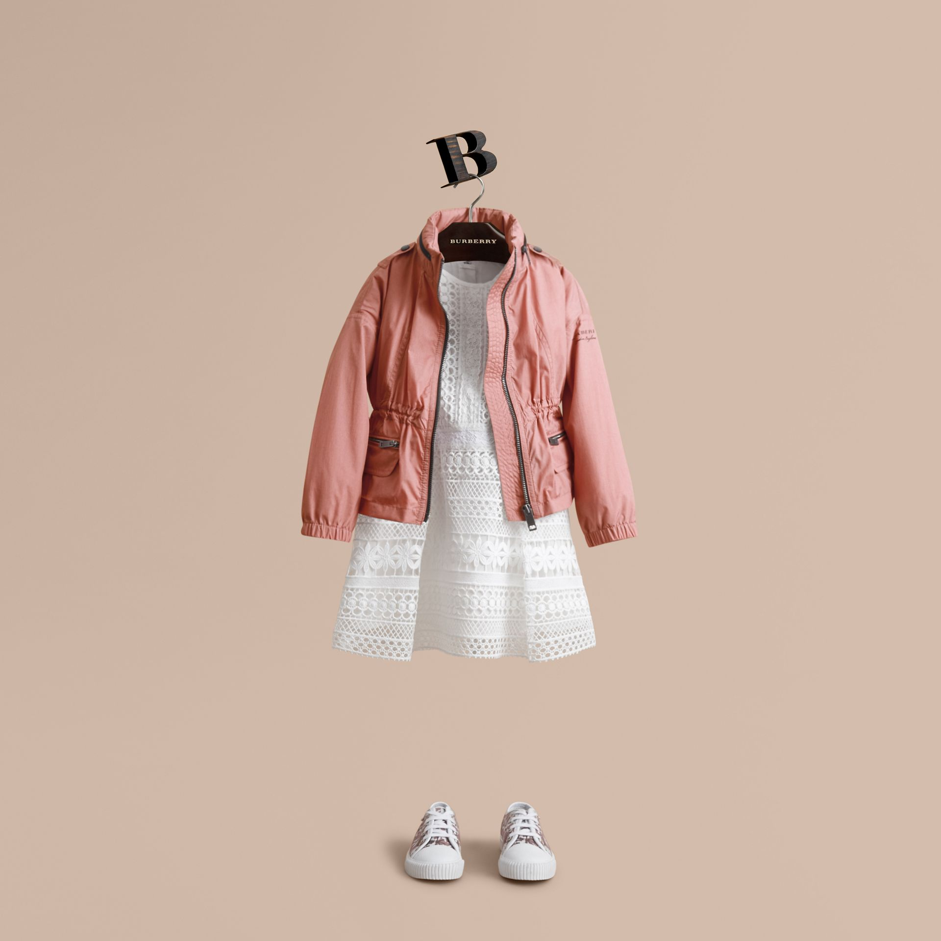 Veste imperméable avec détails check et capuche repliable (Rose Pink) - Fille | Burberry - photo de la galerie 1