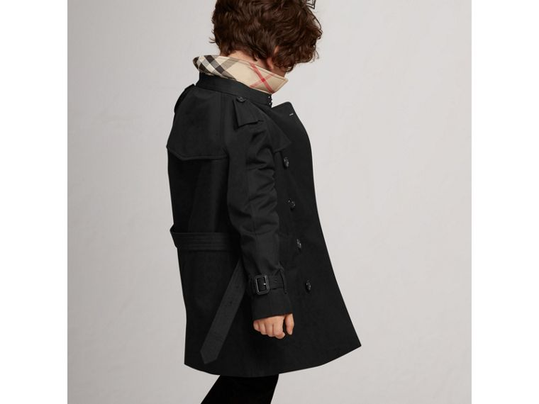 The Wiltshire Trench Coat in Black - Boy | Burberry Singapore - cell image 4