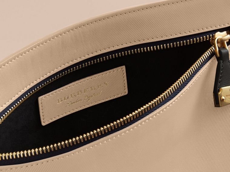 Two-tone Trench Leather Wristlet Pouch in Limestone/black - Women | Burberry - cell image 4