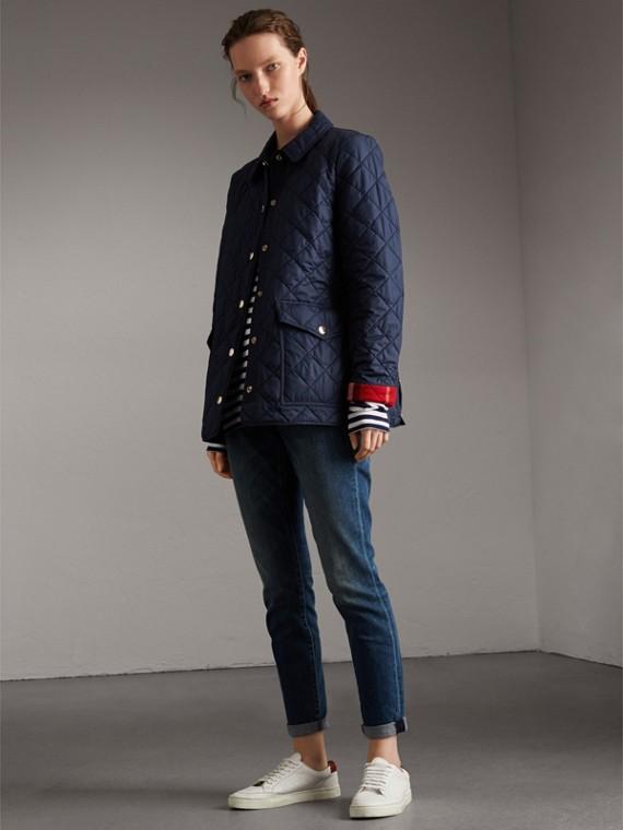 Стеганая куртка с отделкой в клетку (Темно-синий)