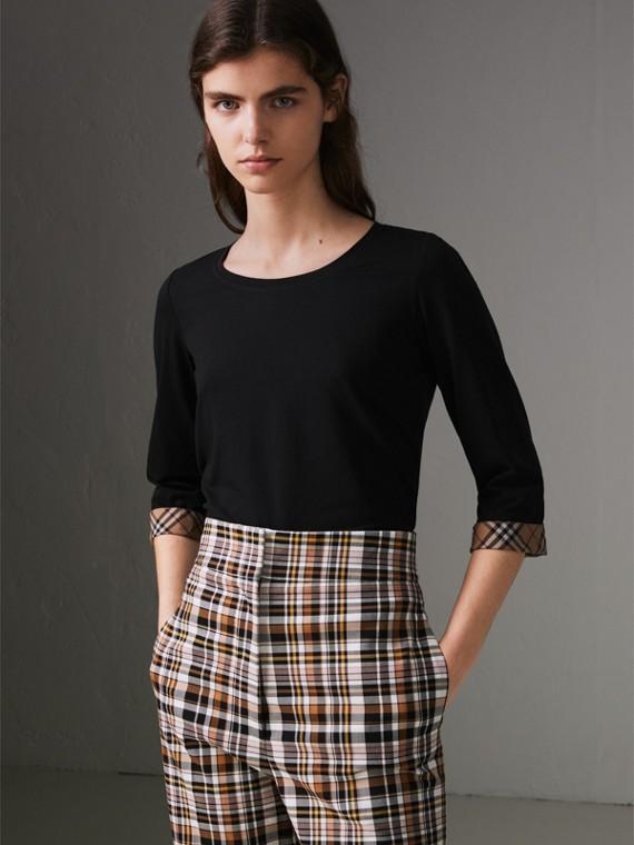 Blusa de algodão stretch com detalhe xadrez (Preto)