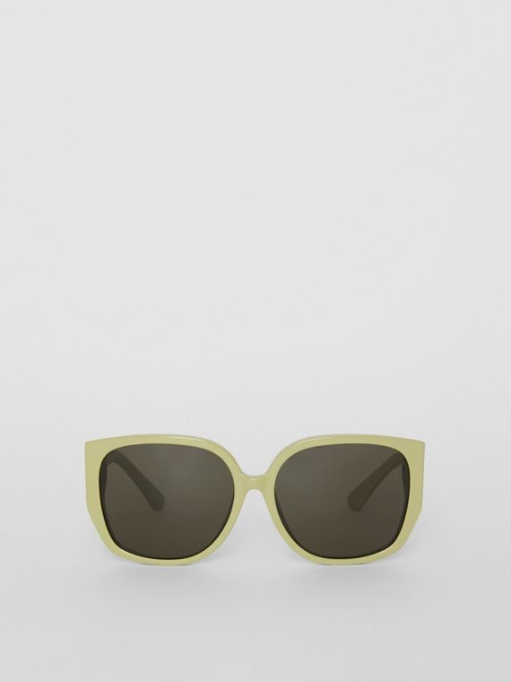 4dfdc9ddc136 Oversized Butterfly Frame Sunglasses in Pistachio