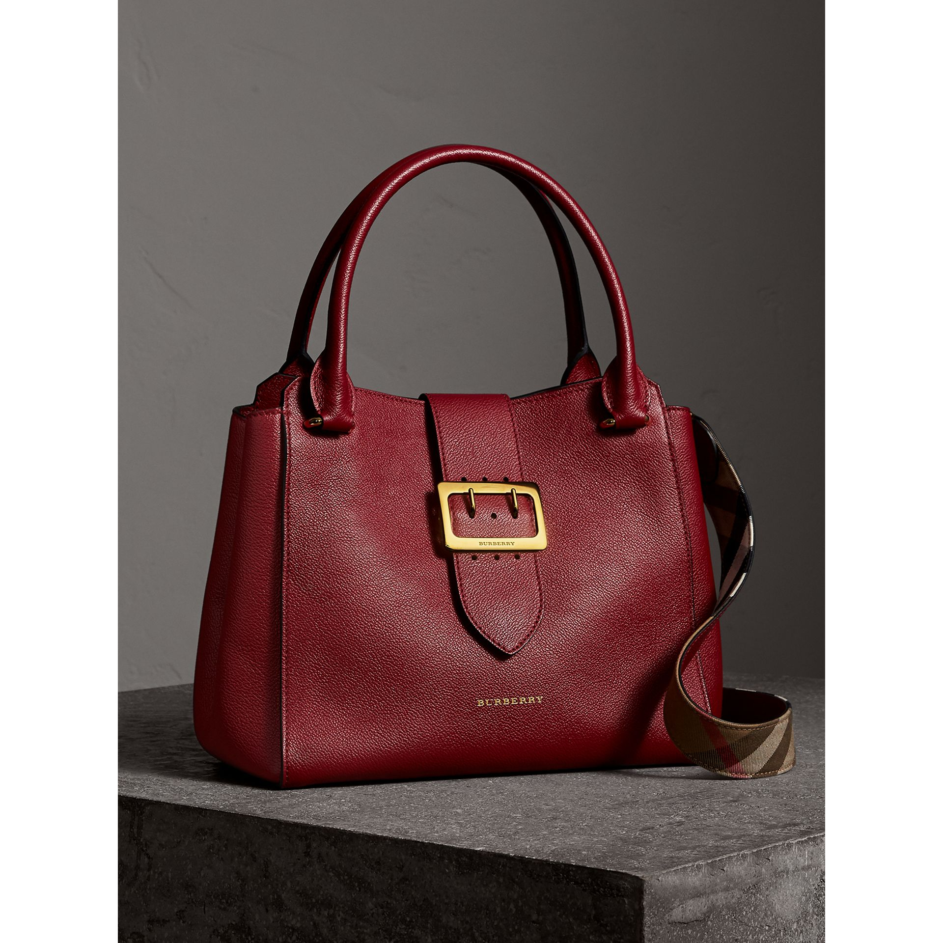The Medium Buckle Tote in Grainy Leather in Parade Red - Women | Burberry United Kingdom - gallery image 7