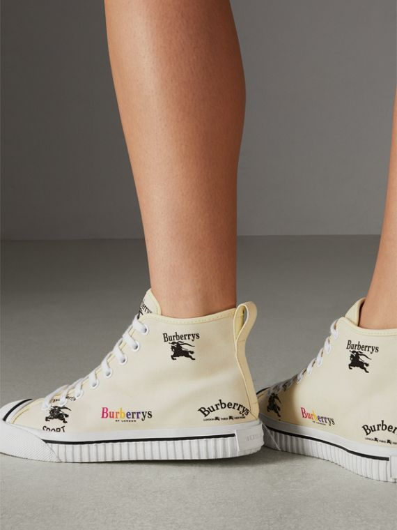 Sneakers montantes en coton avec logo d'archive (Blanc Cassé) - Femme | Burberry Canada - cell image 2