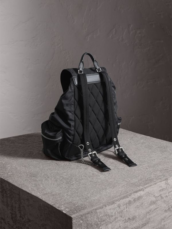 Grand sac The Rucksack en nylon technique et cuir (Noir) - Femme | Burberry Canada - cell image 3