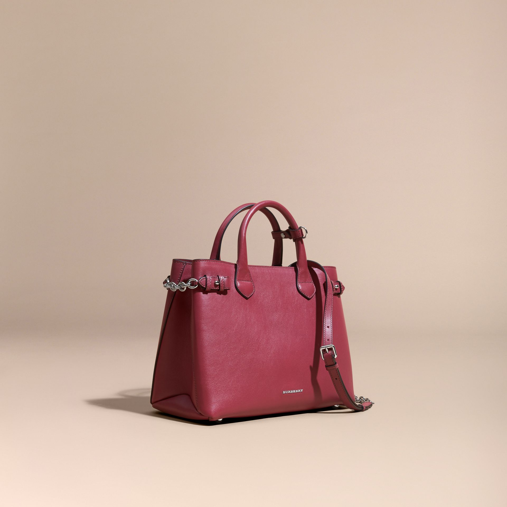 The Medium Banner in Leather with Chain Detail in Garnet Pink - Women | Burberry - gallery image 1