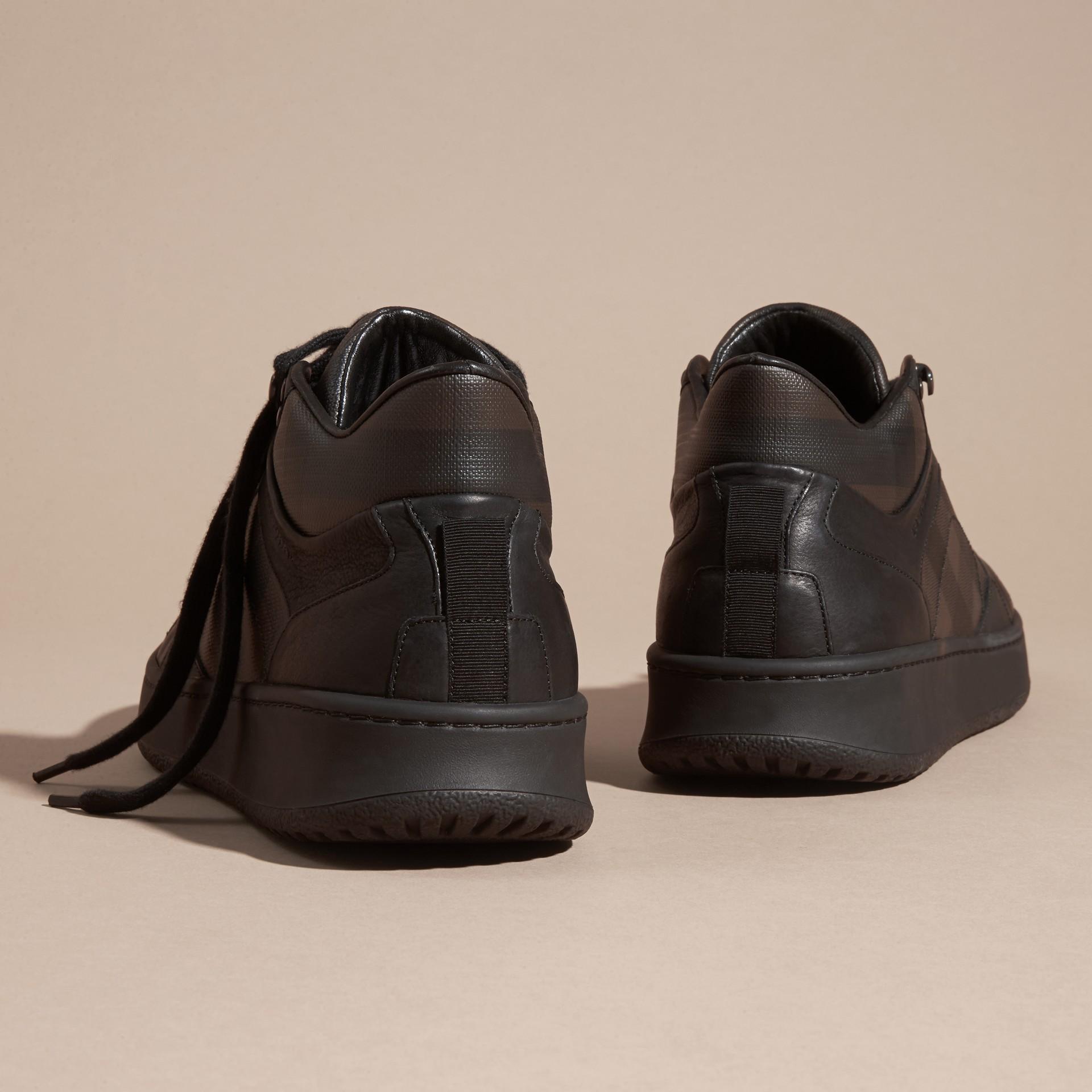 Check chocolat fumé Sneakers en cuir et tissu London check Chocolat Fumé - photo de la galerie 4