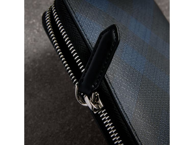 London Check Ziparound Wallet in Navy/black - Men | Burberry United Kingdom - cell image 1