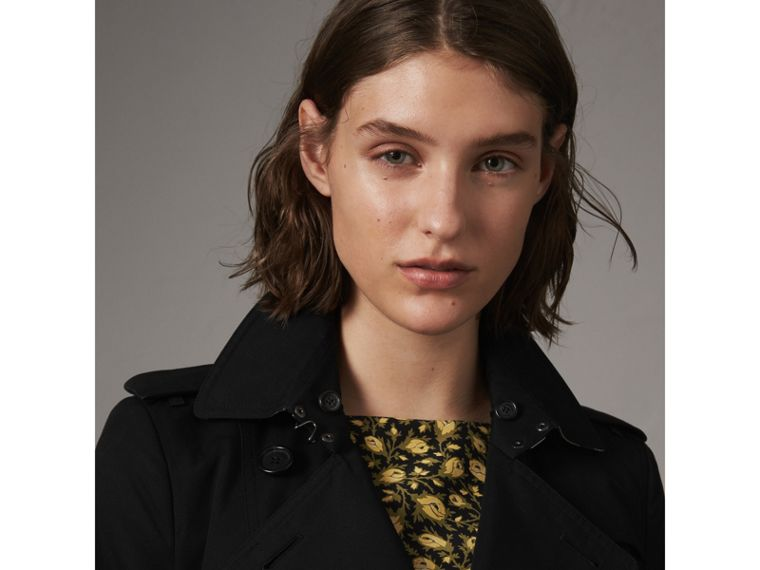 The Sandringham – Mid-Length Heritage Trench Coat in Black - Women | Burberry - cell image 4
