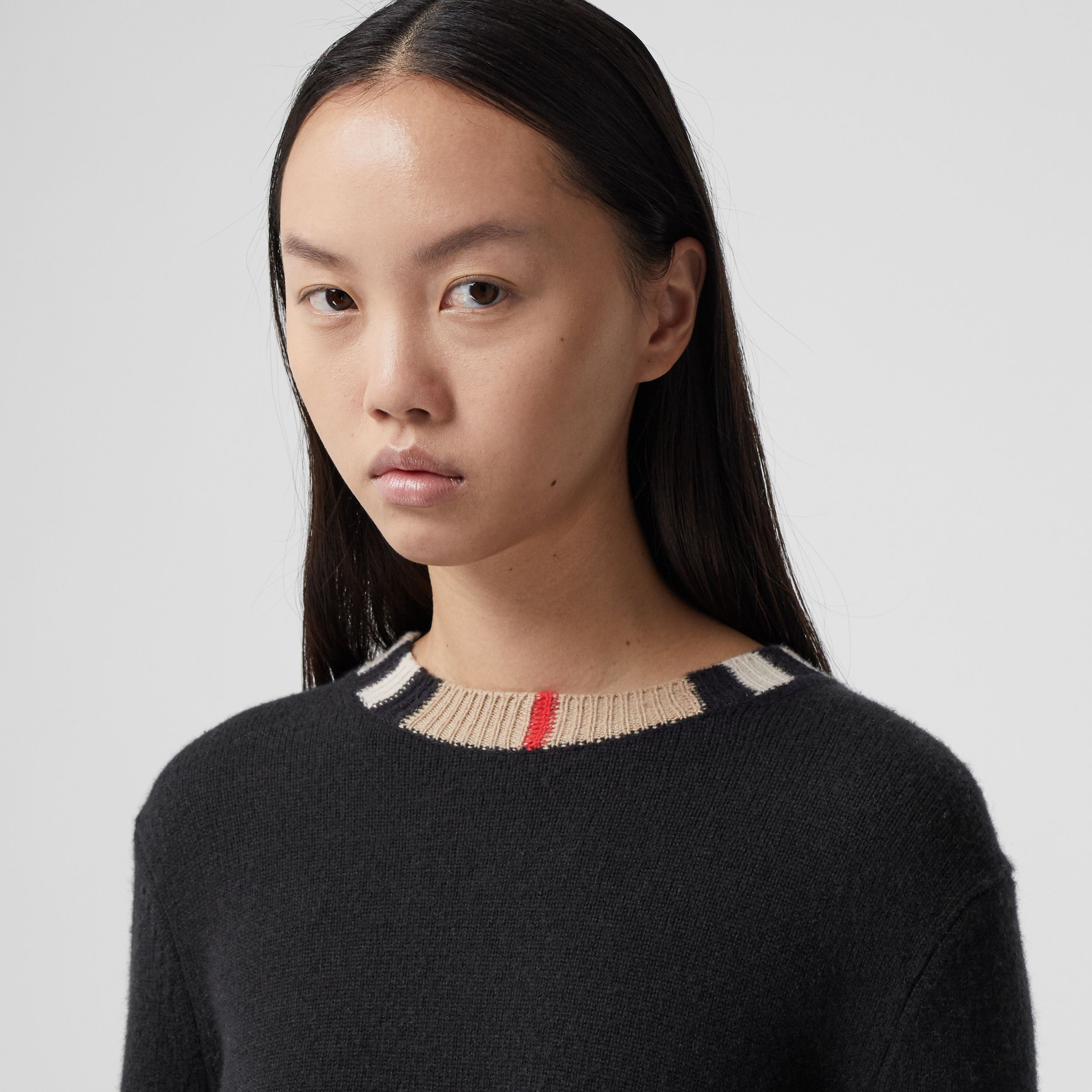 Icon Stripe Trim Cashmere Sweater in Black - Women | Burberry - 2