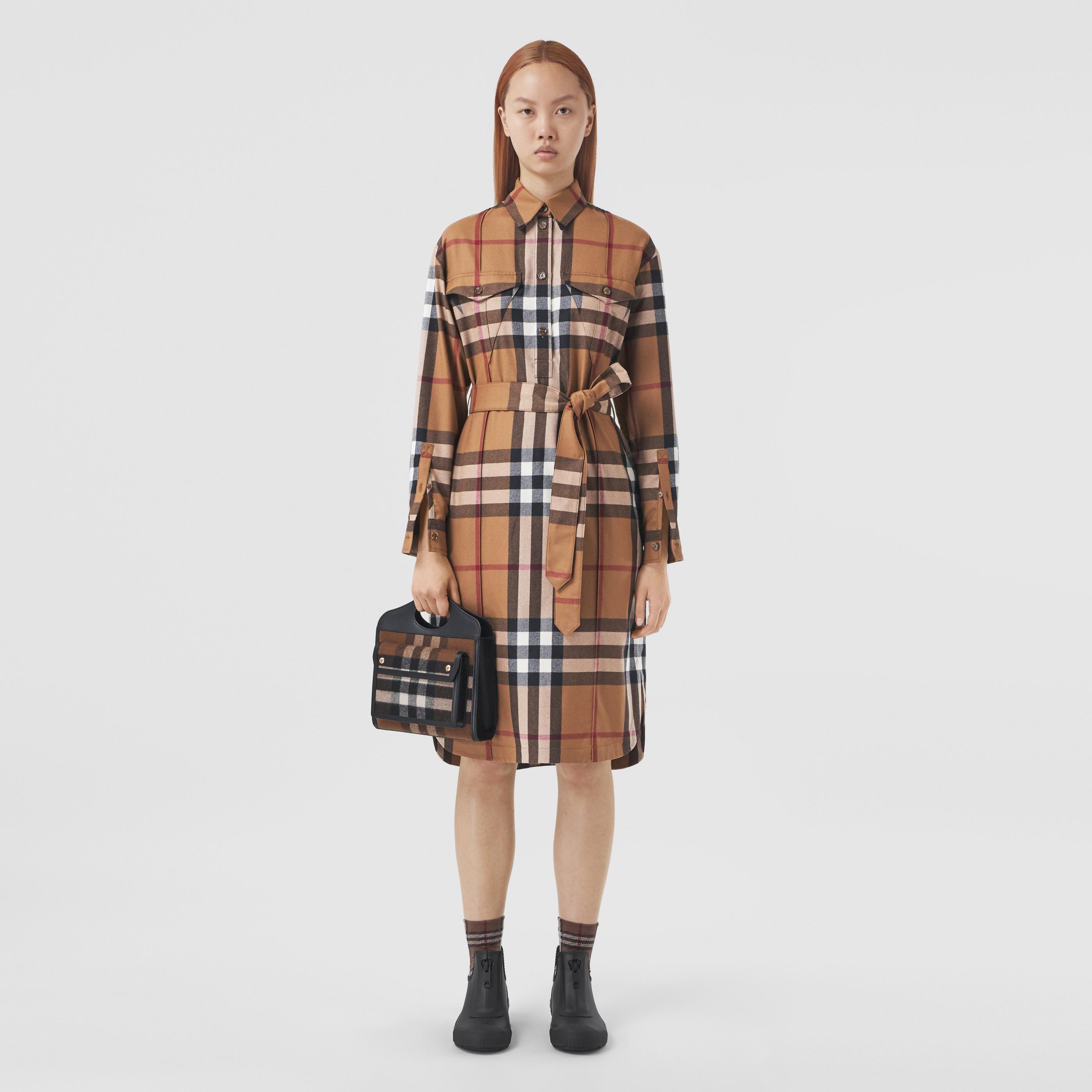 Abito chemisier in lana con cintura e motivo tartan (Marrone Betulla) - Donna | Burberry - 1