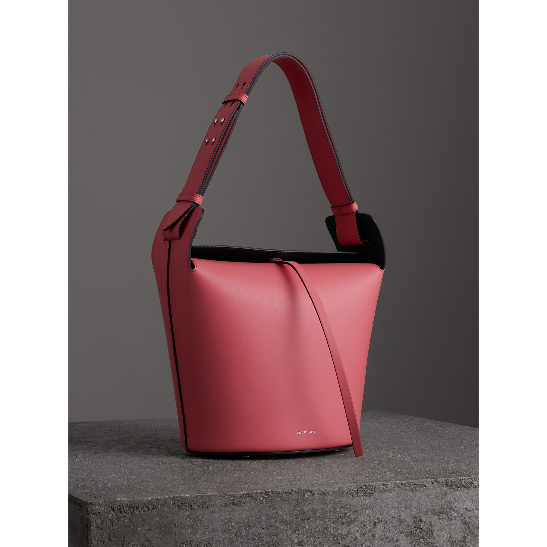 The Medium Leather Bucket Bag in Bright Coral Pink - Women | Burberry United Kingdom - gallery image 6