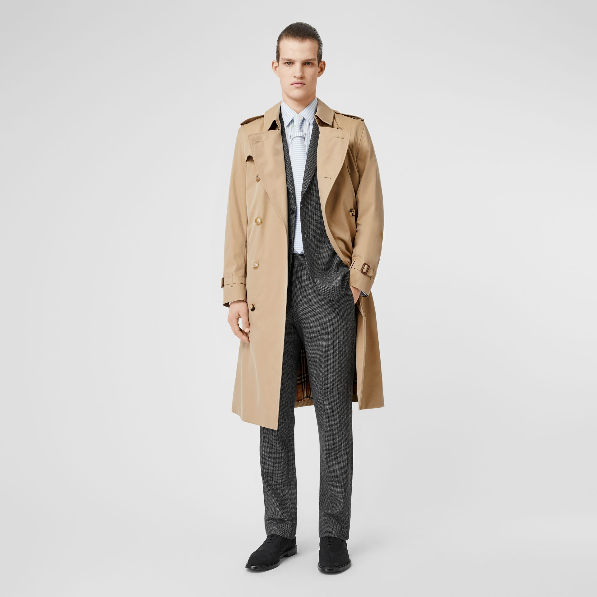 The Long Kensington Heritage Trench Coat in Honey - Men | Burberry Hong Kong S.A.R - gallery image 0