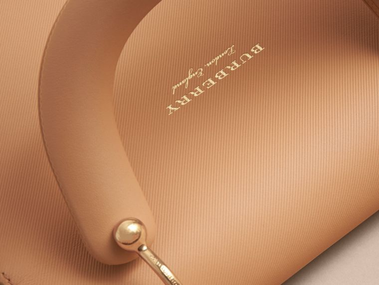 The Medium DK88 Top Handle Bag in Ash Rose/pale Clementine - Women | Burberry Australia - cell image 4