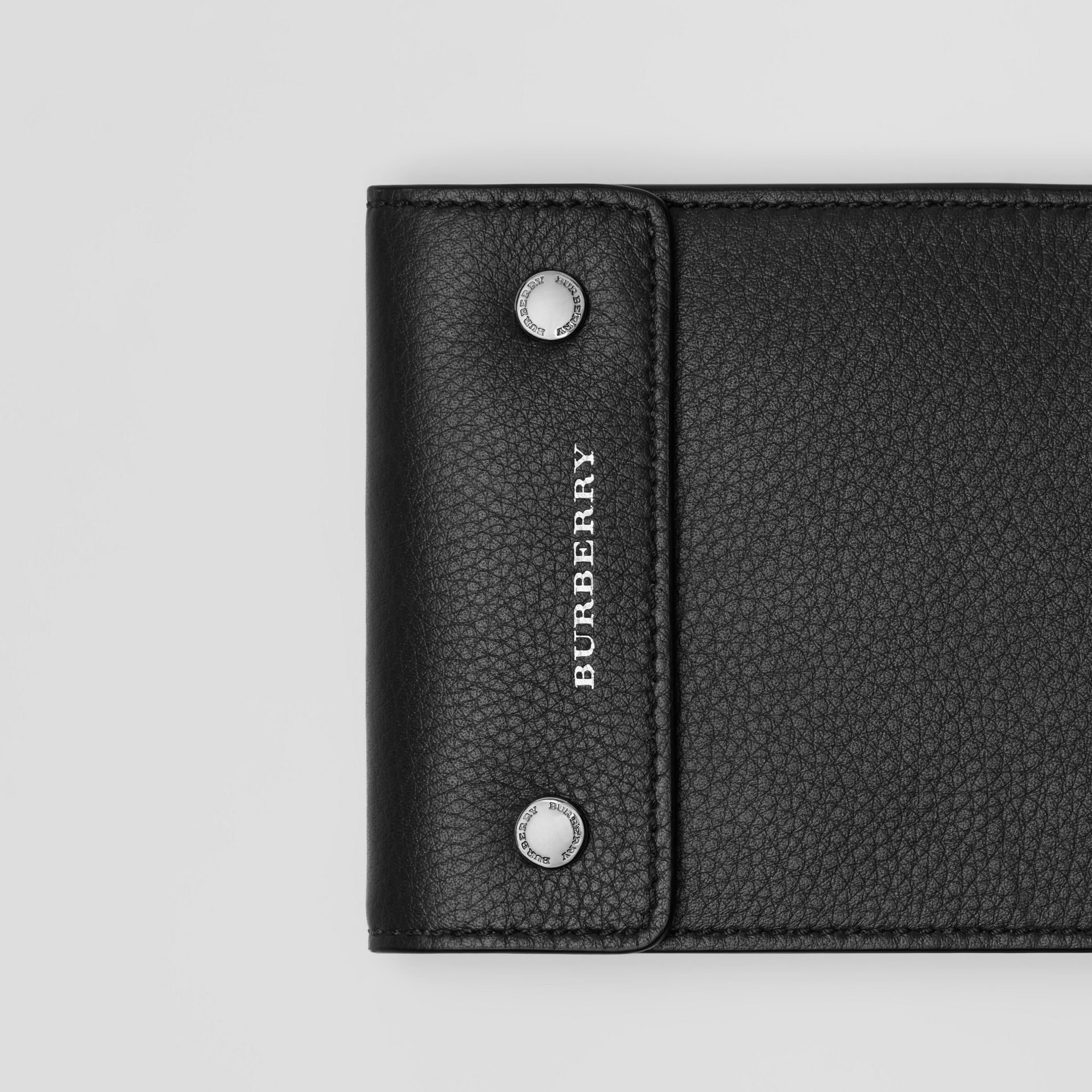 Press-stud Leather International Bifold Wallet in Black - Men | Burberry United States - gallery image 1
