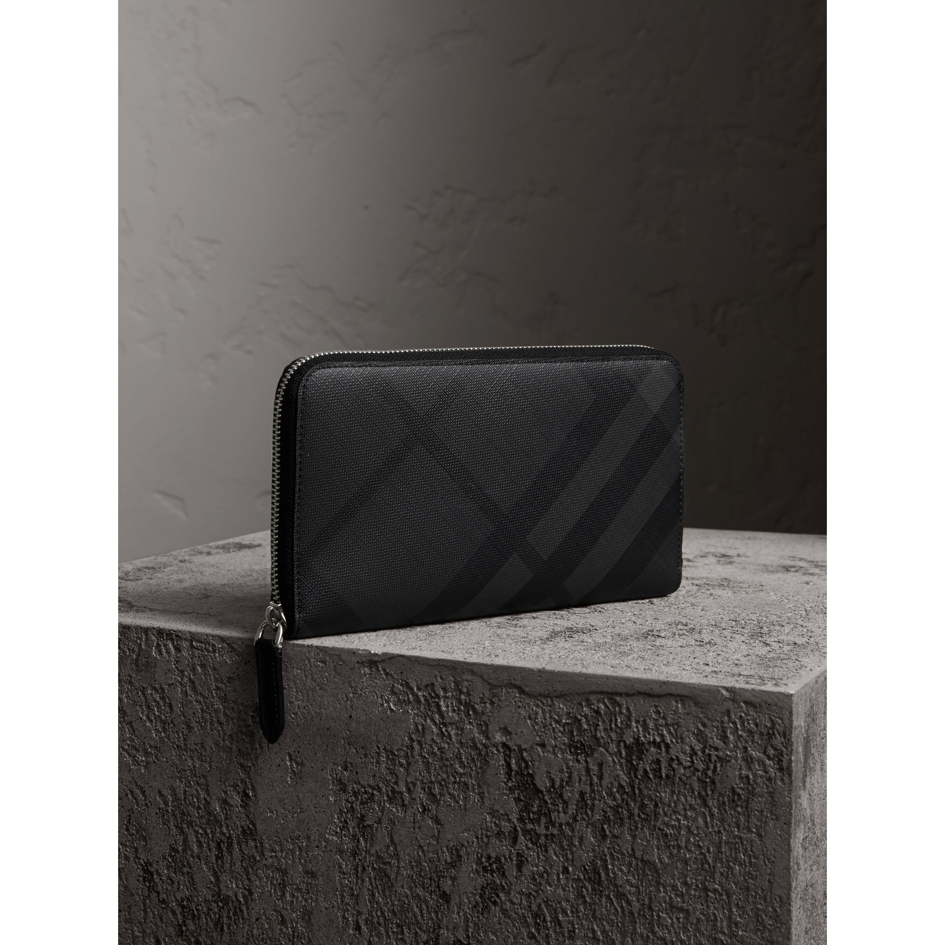 London Check Ziparound Wallet in Charcoal/black - Men | Burberry - gallery image 1