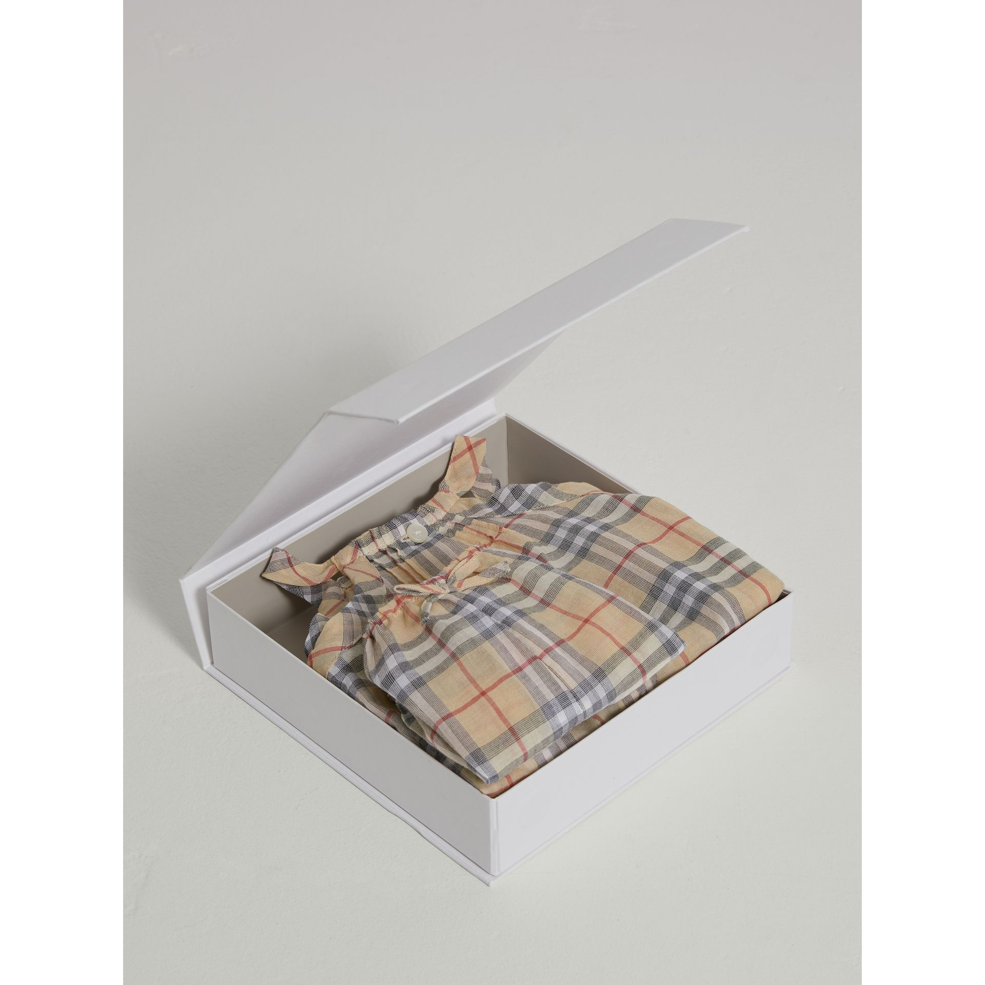 Check Cotton Two-piece Baby Gift Set in Pale Stone | Burberry - gallery image 2