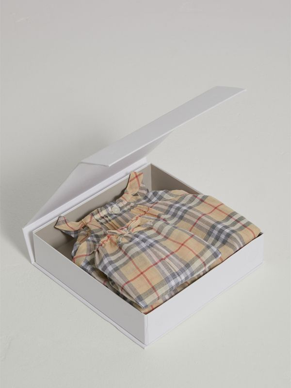 Check Cotton Two-piece Baby Gift Set in Pale Stone - Children | Burberry - cell image 2