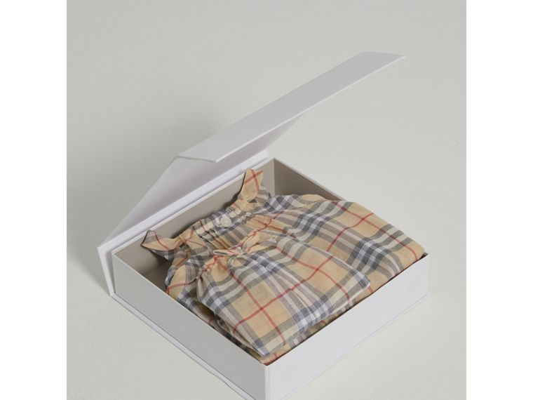 Check Cotton Two-piece Baby Gift Set in Pale Stone | Burberry United Kingdom - cell image 2