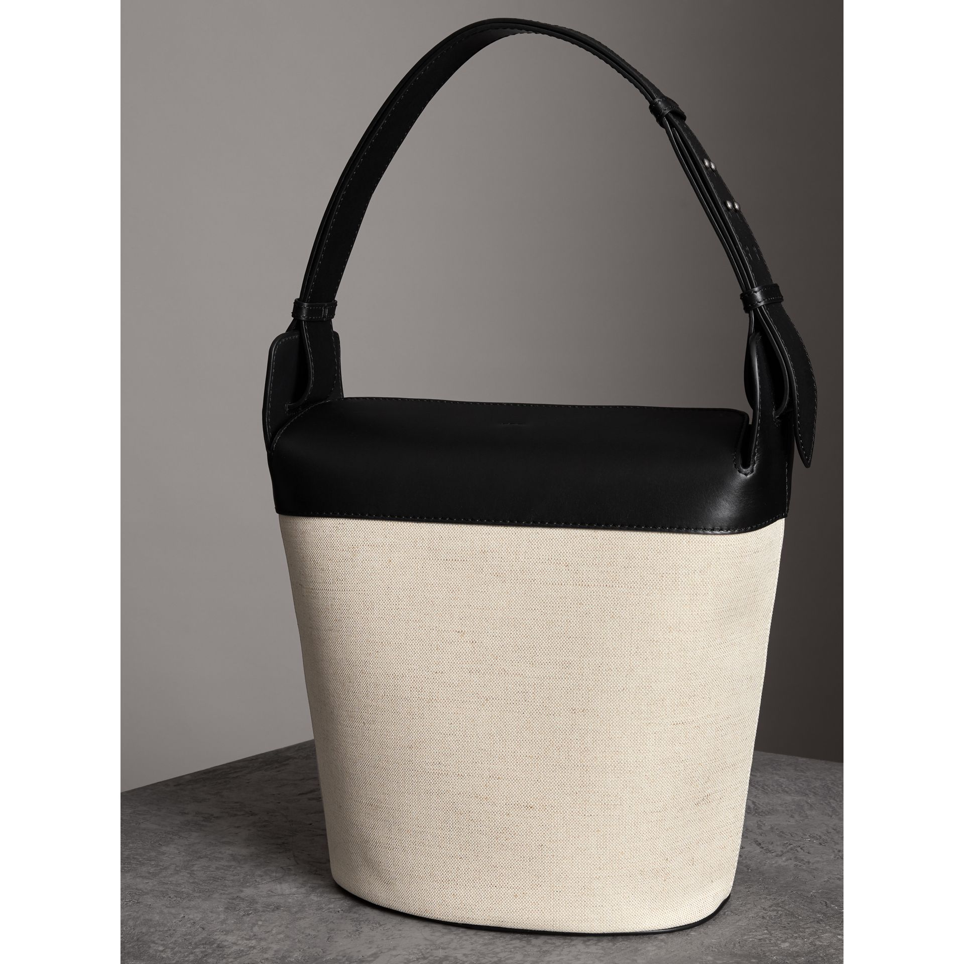 The Large Cotton Linen and Leather Bucket Bag in Black - Women | Burberry United States - gallery image 2