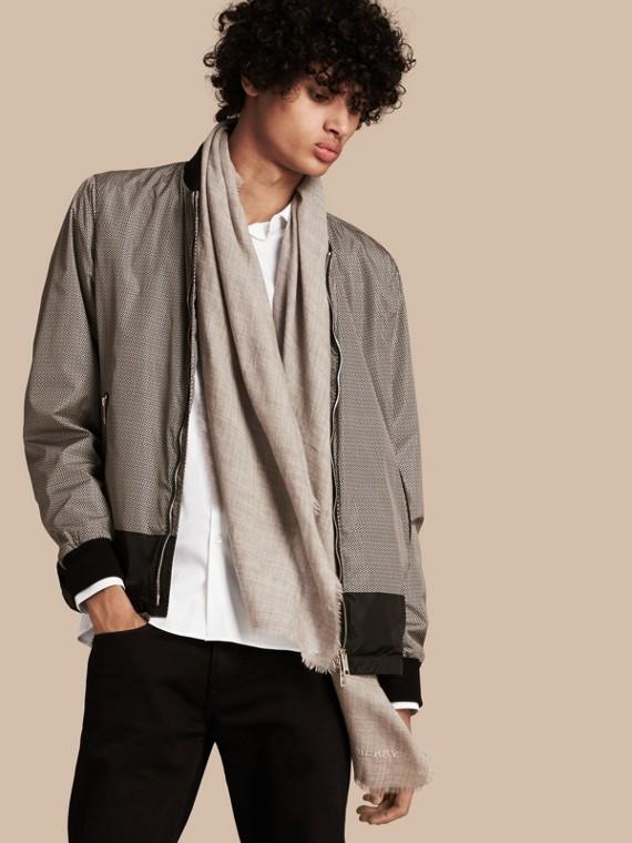 Jaqueta leve estampada