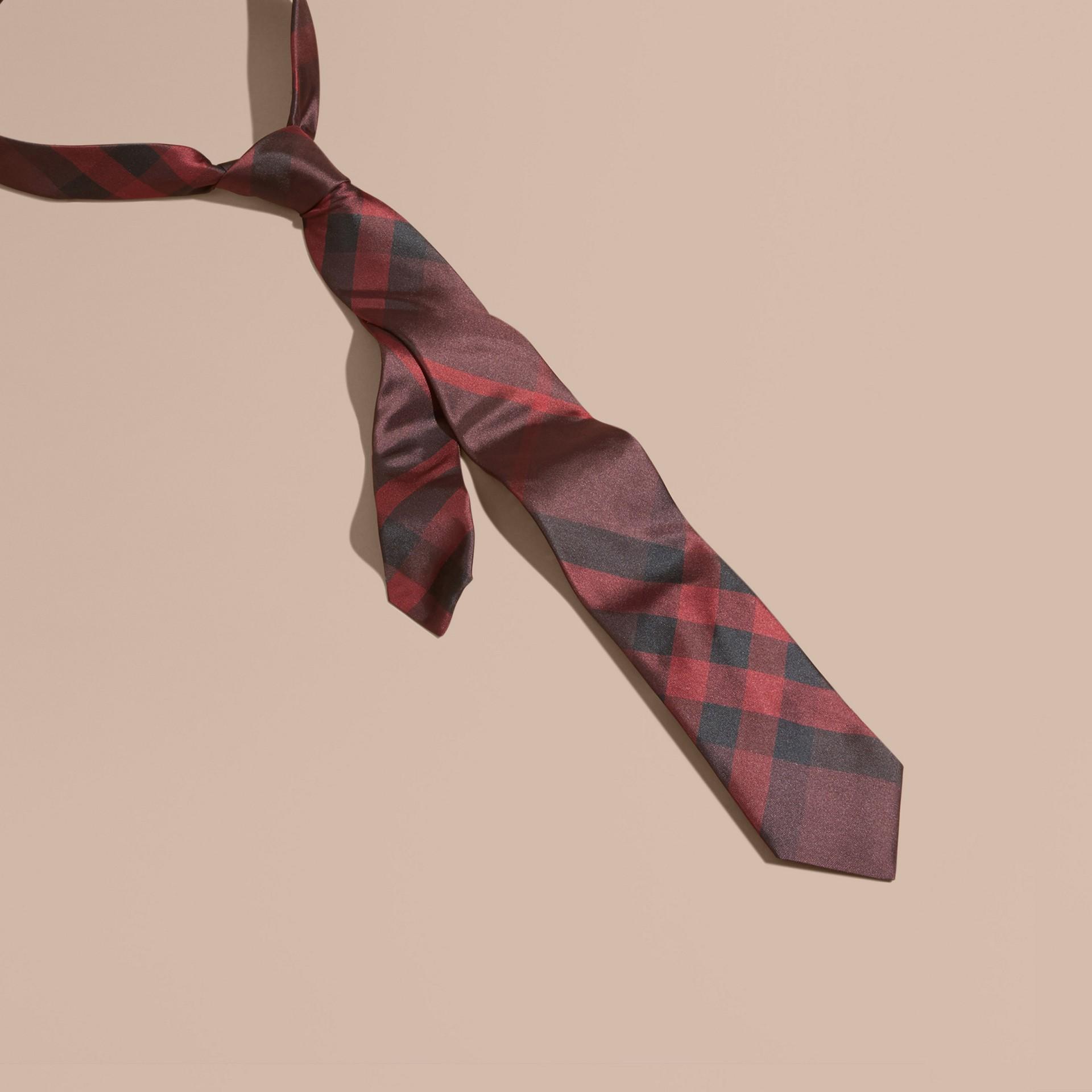 Rosso violetto intenso Cravatta dal taglio moderno in seta con motivo check Rosso Violetto Intenso - immagine della galleria 1