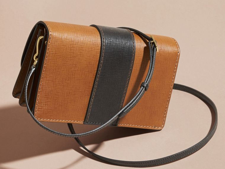 Tan/black The Medium Buckle Bag in Textured Leather Tan/black - cell image 4