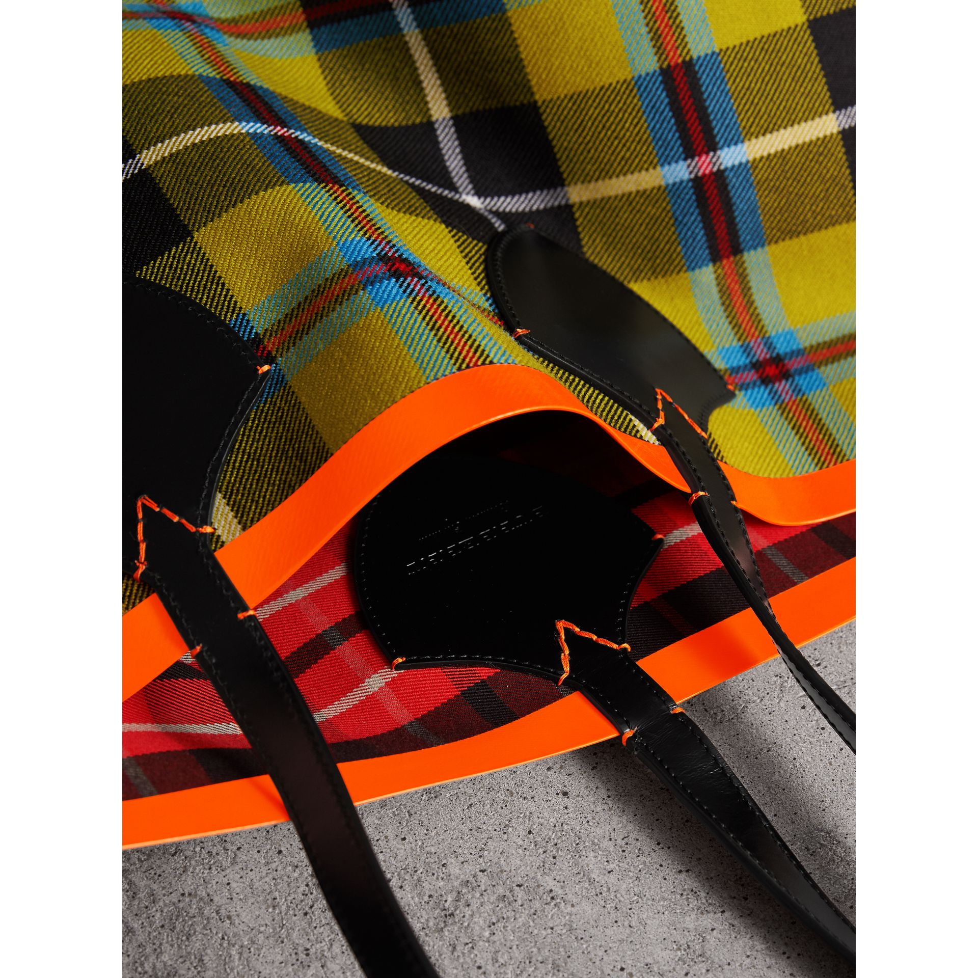 The Giant Reversible Tote in Tartan Cotton in Flax Yellow/red | Burberry United Kingdom - gallery image 1