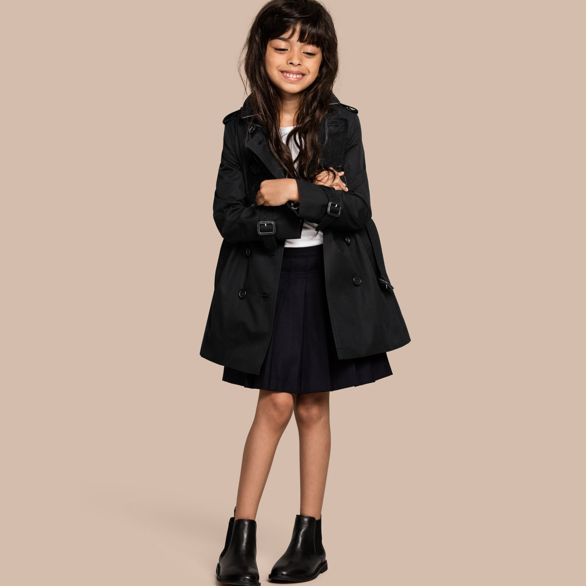 The Sandringham – Heritage Trench Coat in Black - Girl | Burberry - gallery image 1