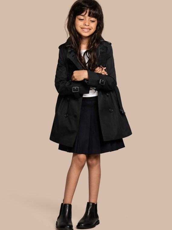 The Sandringham – Heritage Trench Coat in Black - Girl | Burberry Canada