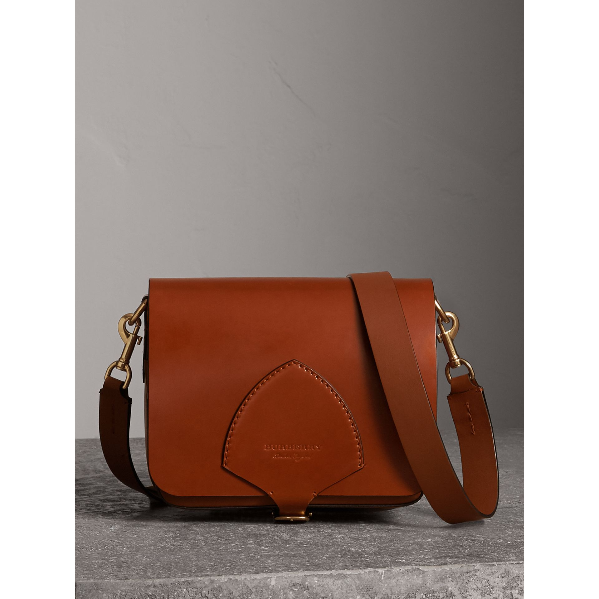 The Satchel squadrata in pelle a briglia (Marroncino) - Donna | Burberry - immagine della galleria 0