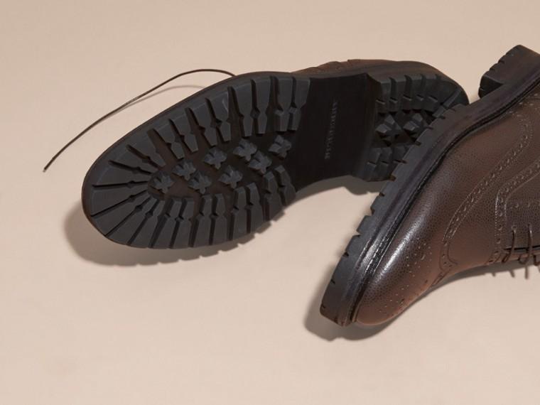 Chocolat amer Chaussures Richelieu en cuir grené à bout golf avec semelles en caoutchouc Chocolat Amer - cell image 4