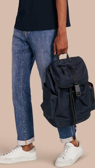 Calças jeans stretch de ourela japonesa com corte reto