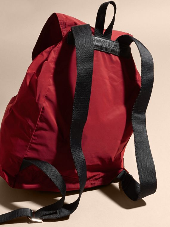Check Detail Technical Packaway Rucksack Hawthorn Red - cell image 3