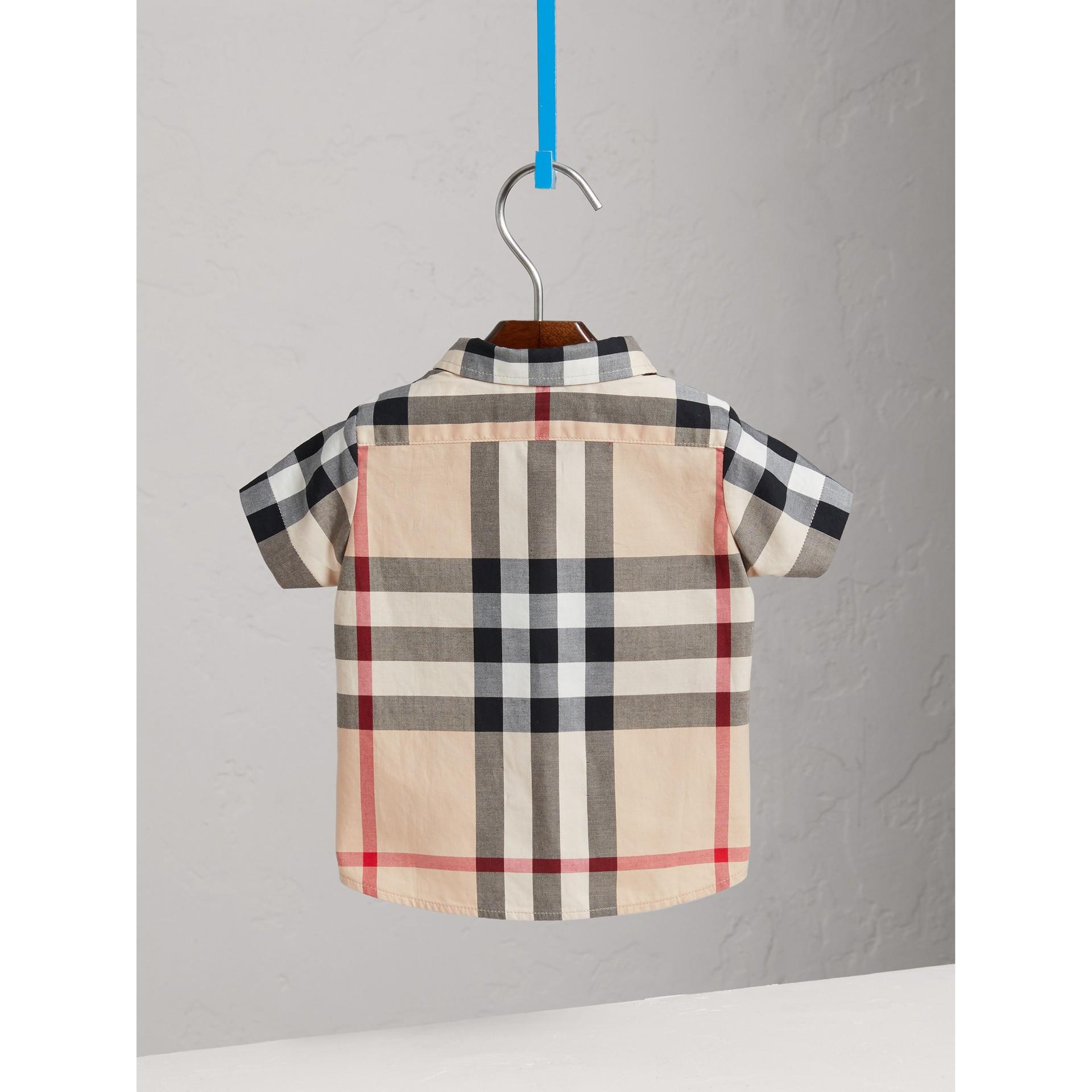 Camisa em sarja de algodão xadrez (Novo  Clássico) - Menino | Burberry - galeria de imagens 3