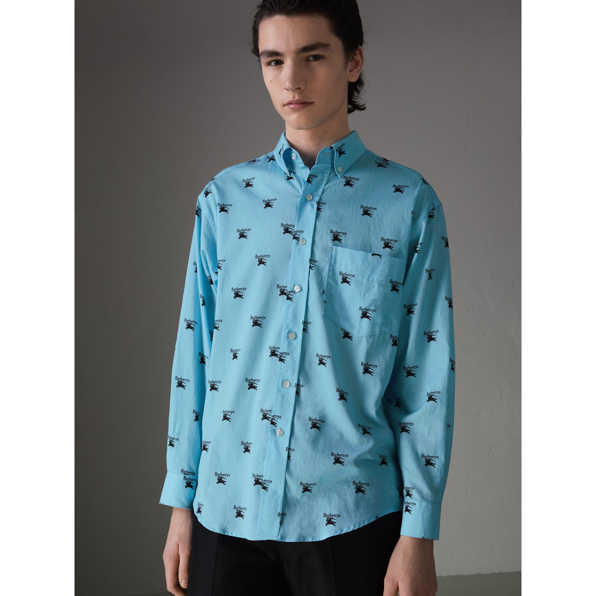 Button-down Collar Logo Print Cotton Shirt in Sky Blue - Men | Burberry Singapore - gallery image 4