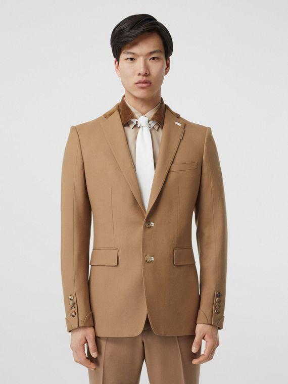English Fit Velvet Collar Wool Flannel Tailored Jacket in Warm Camel