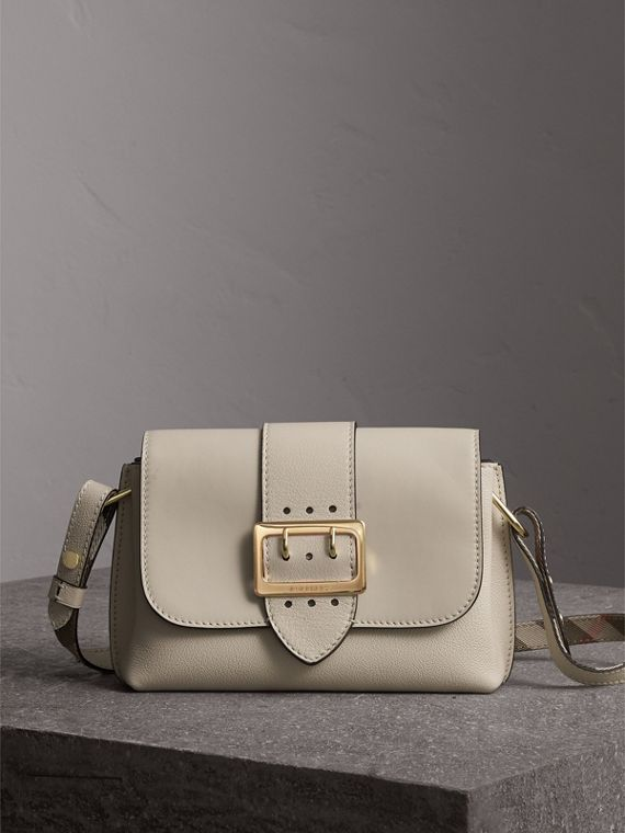 The Buckle Crossbody Bag in Leather in Limestone