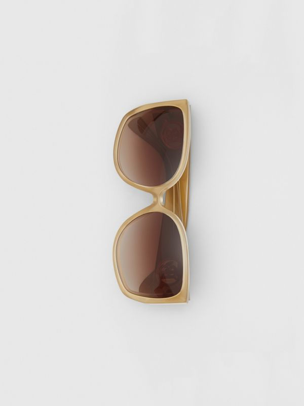 Oversized Butterfly Frame Sunglasses in Beige - Women | Burberry - cell image 3