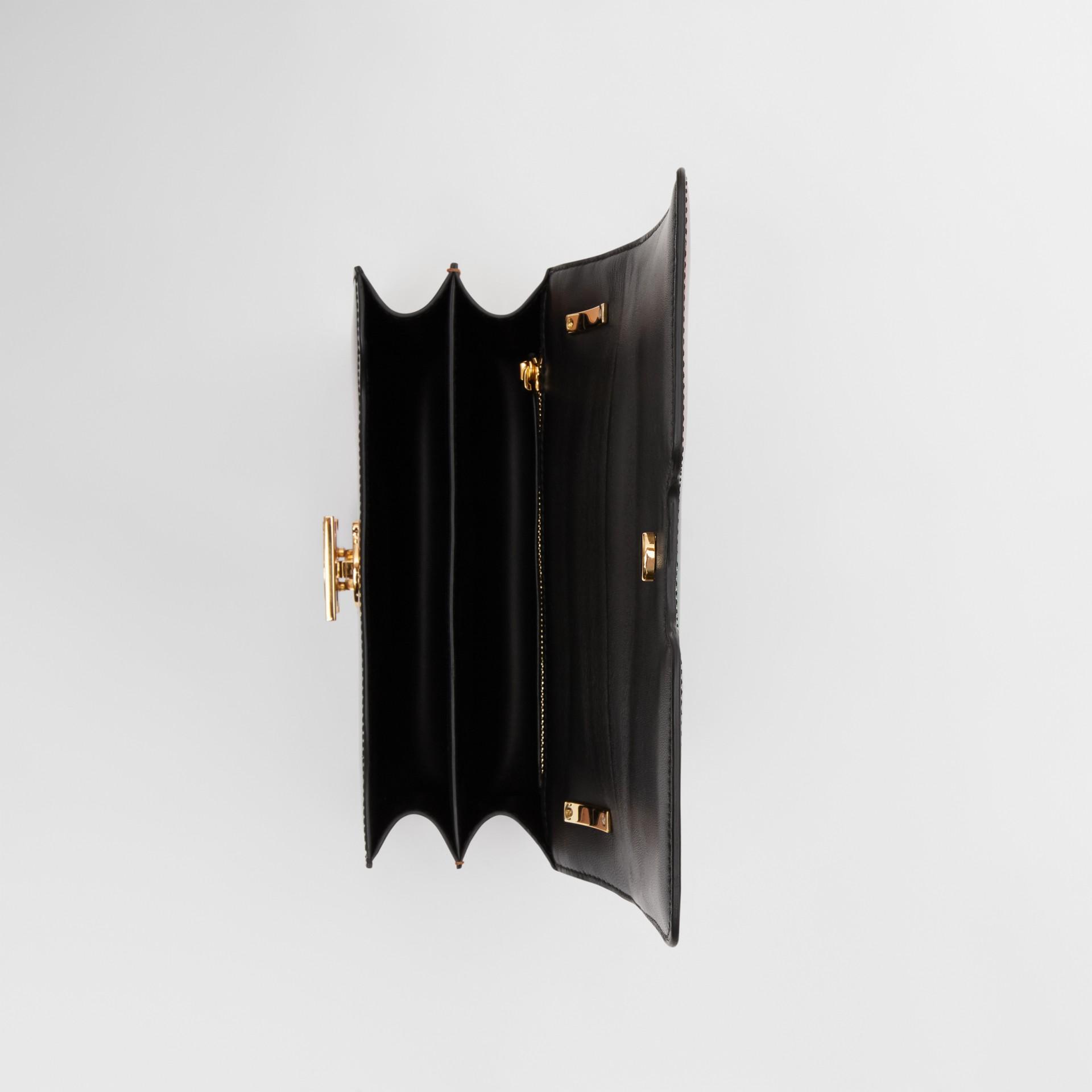 スモール ストライプレザー TBバッグ (ブラック) - ウィメンズ | バーバリー - ギャラリーイメージ 4