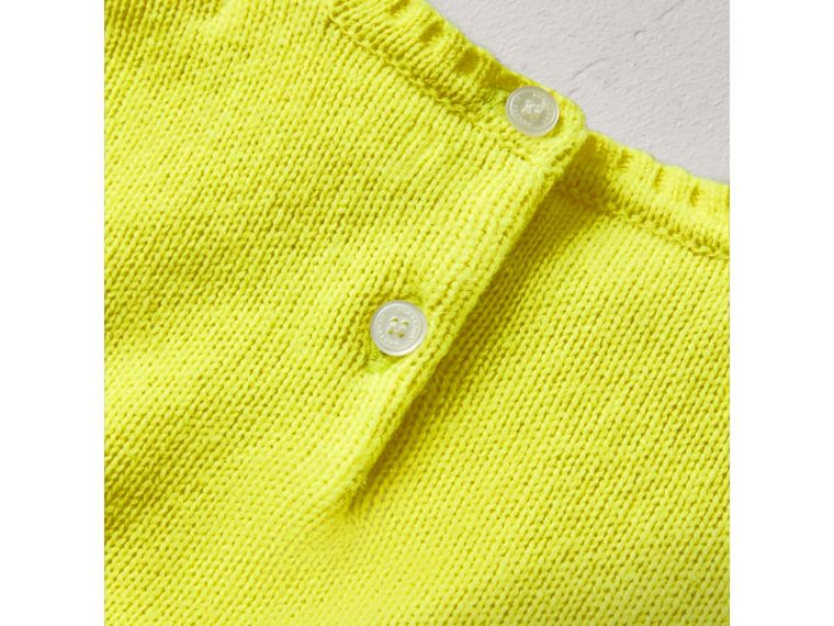 Cashmere Three-piece Baby Gift Set in Neon Yellow | Burberry United Kingdom - cell image 2