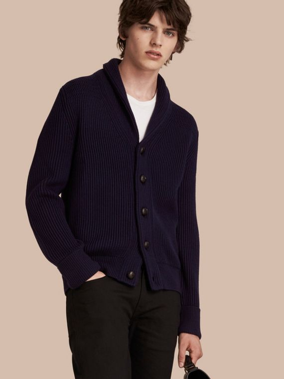 Cardigan in lana e seta a coste con collo sciallato