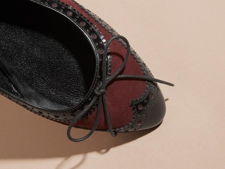Rojo caoba Bailarinas en piel con detalles de estilo brogue - cell image 1