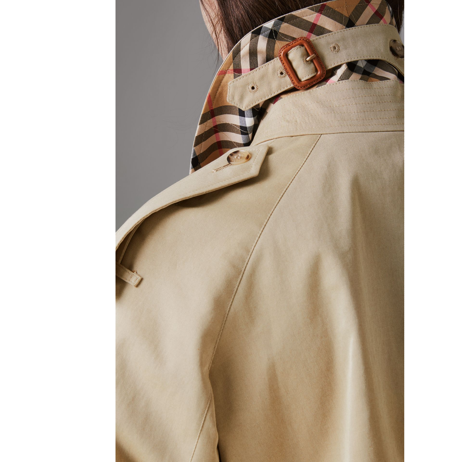 Side-slit Tropical Gabardine Trench Coat in Oatmeal - Women | Burberry United States - gallery image 4
