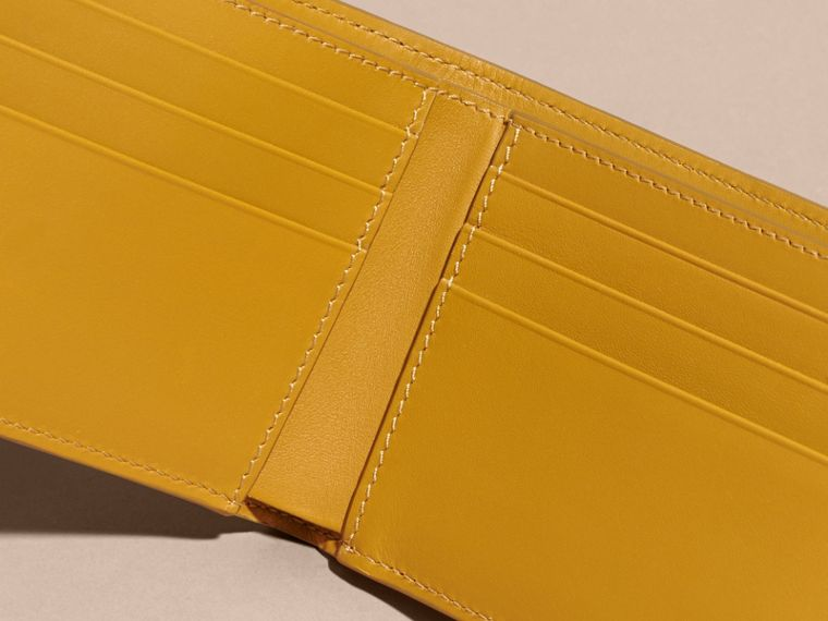 London Leather Bifold Wallet in Larch Yellow - cell image 4