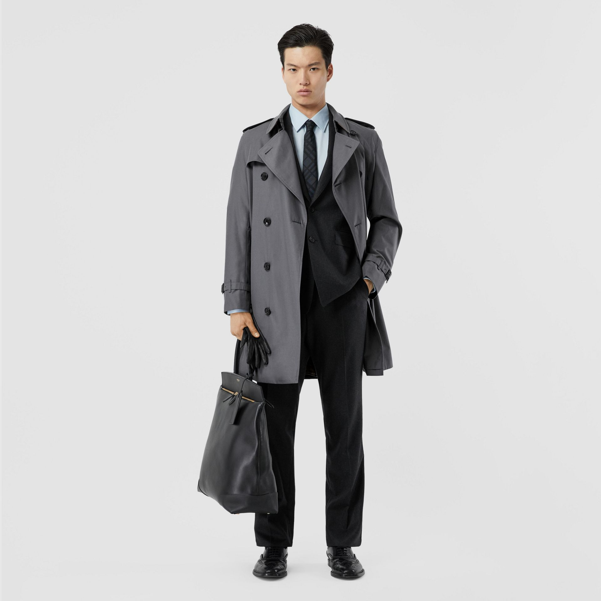 The Mid-length Chelsea Heritage Trench Coat in Mid-grey - Men | Burberry - gallery image 0