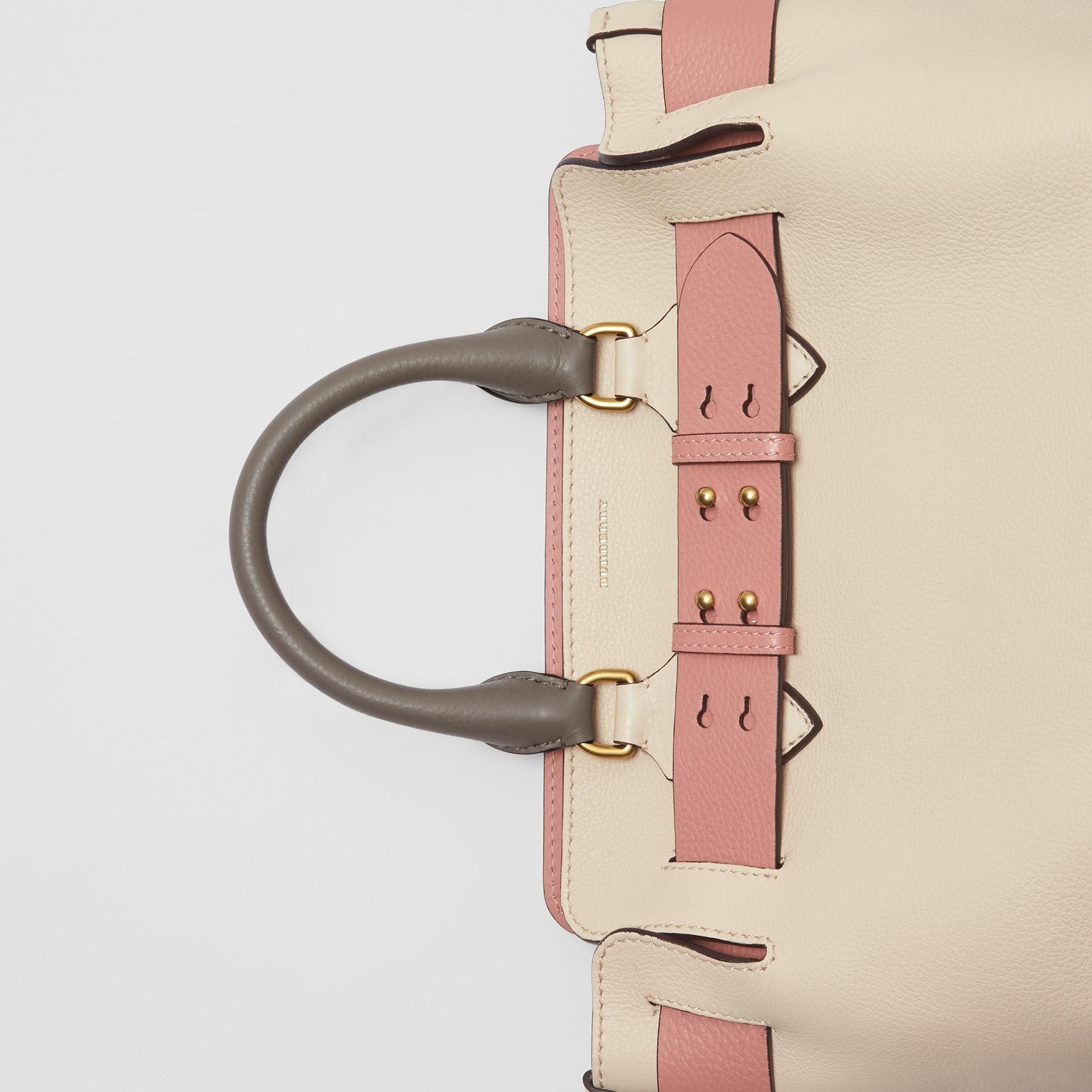 Petit sac TheBelt en cuir tricolore (Calcaire/rose Cendré) - Femme | Burberry - photo de la galerie 1
